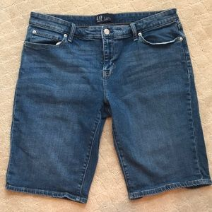 "EUC Gap 9"" blue denim bermuda short"